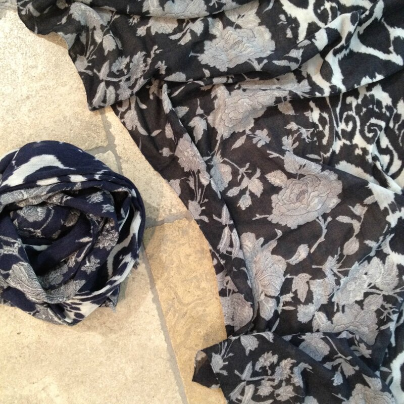 Rose and Rose wool scarf Boutique Avant-Après 29 rue Foch 34000 Montpellier (2)