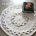 Tapis style napperon géant blanc au crochet