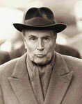 Fran_ois_Mitterrand_au_chapeau