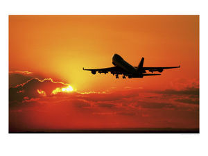 531415decollage_d_un_avion_de_passagers_au_crepuscule_affiches