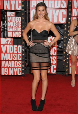 whitney_port_attends_the_2009_mtv_video_music_awards