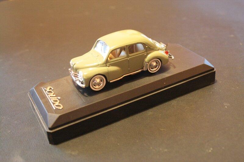 4537_Renault 4cv_02