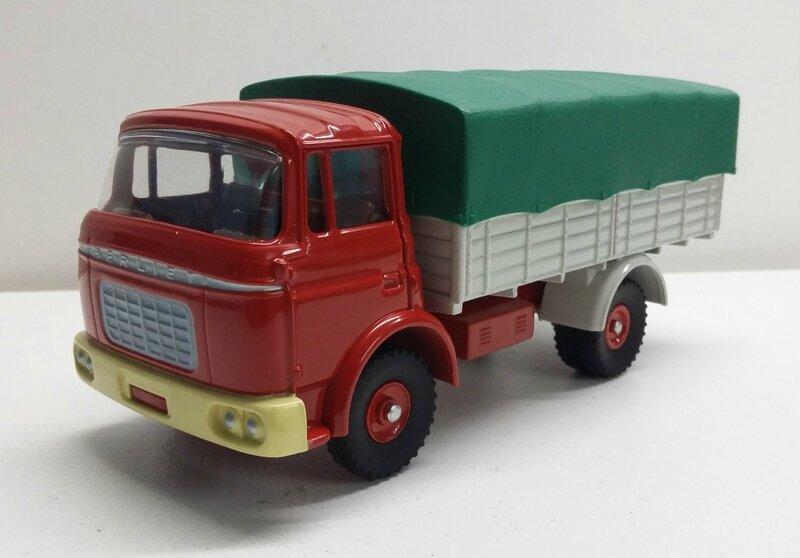#584-Berliet GAK bâché rouge (3)