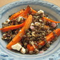 Salade de lentilles vertes, carottes caramélisées et feta