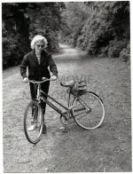 1956-08-13-MONROE__MARILYN_-_1956_AUG_13_WINDSOR_GREAT_PARK_UK496