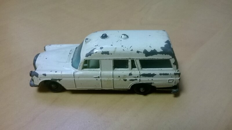 3c_Mercedes Binz Ambulance_01