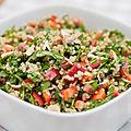 Salade végan de quinoa au concombre et tomates