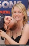 melissa_joan_hart_meet_the_robinsons_world_premiere_7UtR7e