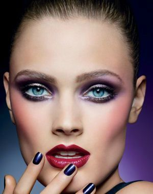 collection-maquillage_automne_2012_pure-color