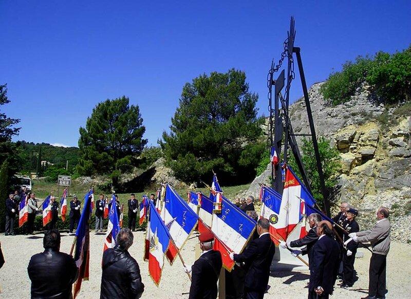 Les drapeaux Caumont sur Durance 2014