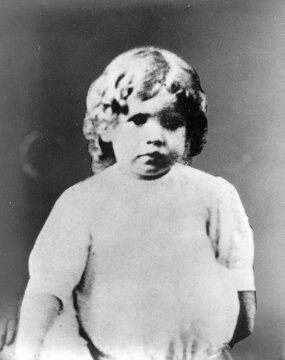 Jackie_as_a_child,_undated