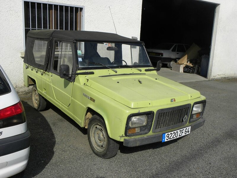 1280px-Renault_Rodeo_6_(2)