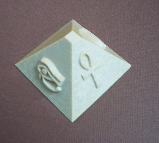 grande pyramide moule silicone 2