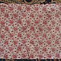 1101 - tissu ancien fleuri roses anciennes fond ecru