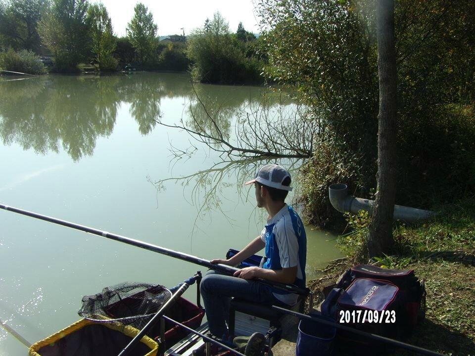 Une pêche simple au carpodrome du petit Chambon (Thiers)