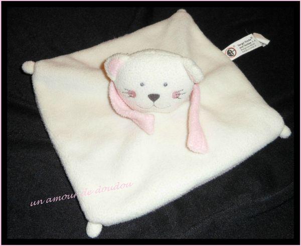 Doudou Chat Plat Carré Blanc Et Rose Polaire Sergei Socks & Textiles