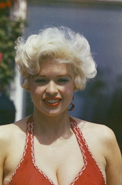 jayne-1958-05-cannes-by_philippe_le_tellier-02-3