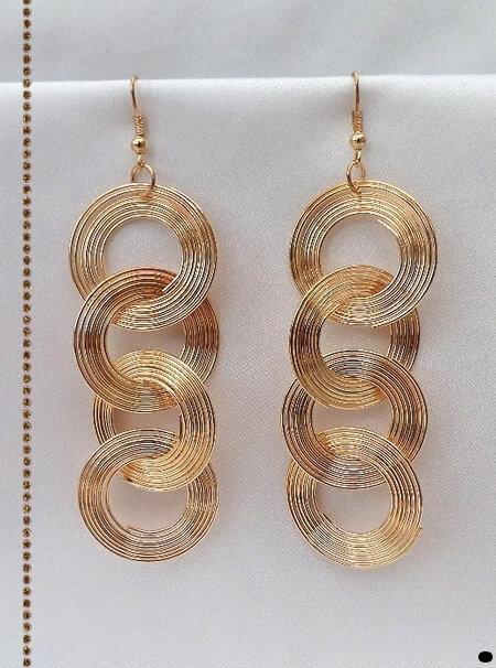 Boucles d'Oreilles Pendantes Légères Lova 4 Cercles Mobiles Métal Couleur Doré Cuivré