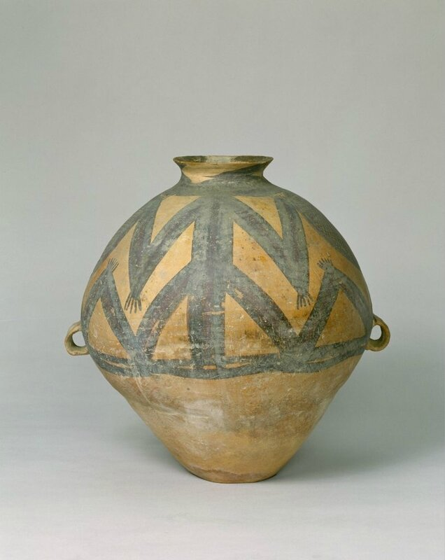 Painted pottery frog pattern pot, Neolithic, Majiayao culture (3100-2000 BC), Machang phase (2300 - 2000 BC), high 42cm, caliber 13