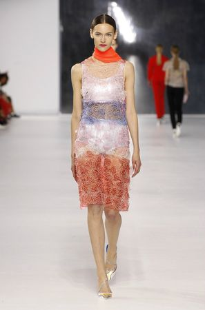defile-dior-collection-croisiere-2014-08