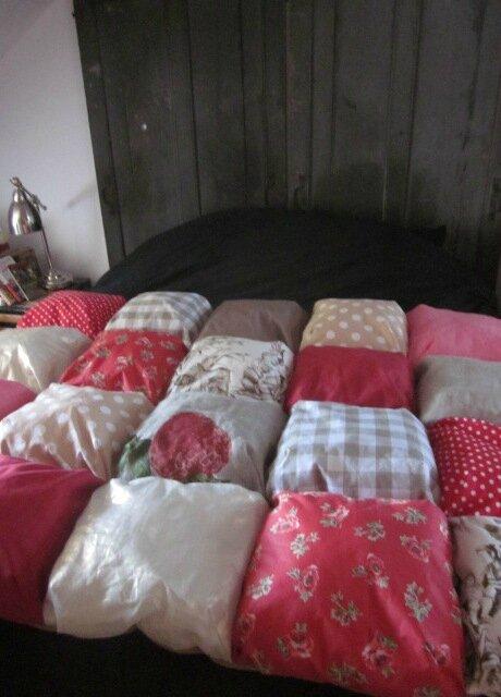 EDREDON 20 coussins en coton et lin rouge et beige (1)