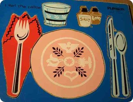VINTAGE_PLAYSKOOL_WOODEN_TRAY_PUZZLE__TITLED_I_SET_THE_TABLE_155_24_2