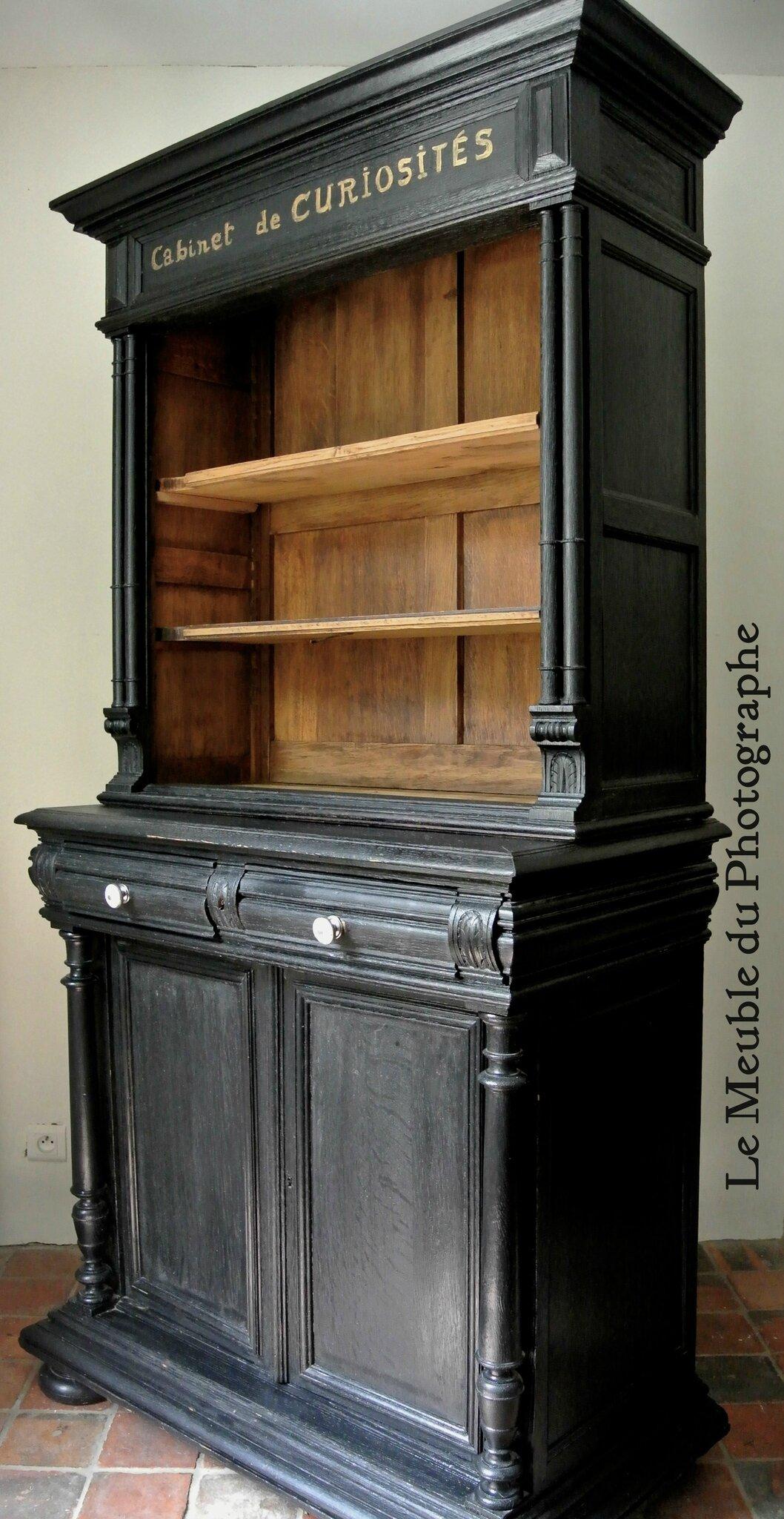 Cabinet de curiosités meuble