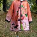 2014 enfant NOEMI, Sur un arbre perché, capuche pointue