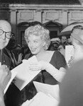 1958_05_21_new_york_signing_autograph_020_1
