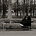 Intimité au jardin des Tuileries.