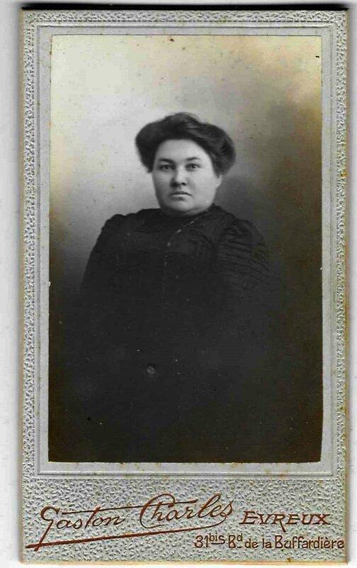 Tante Jeanne Courteille