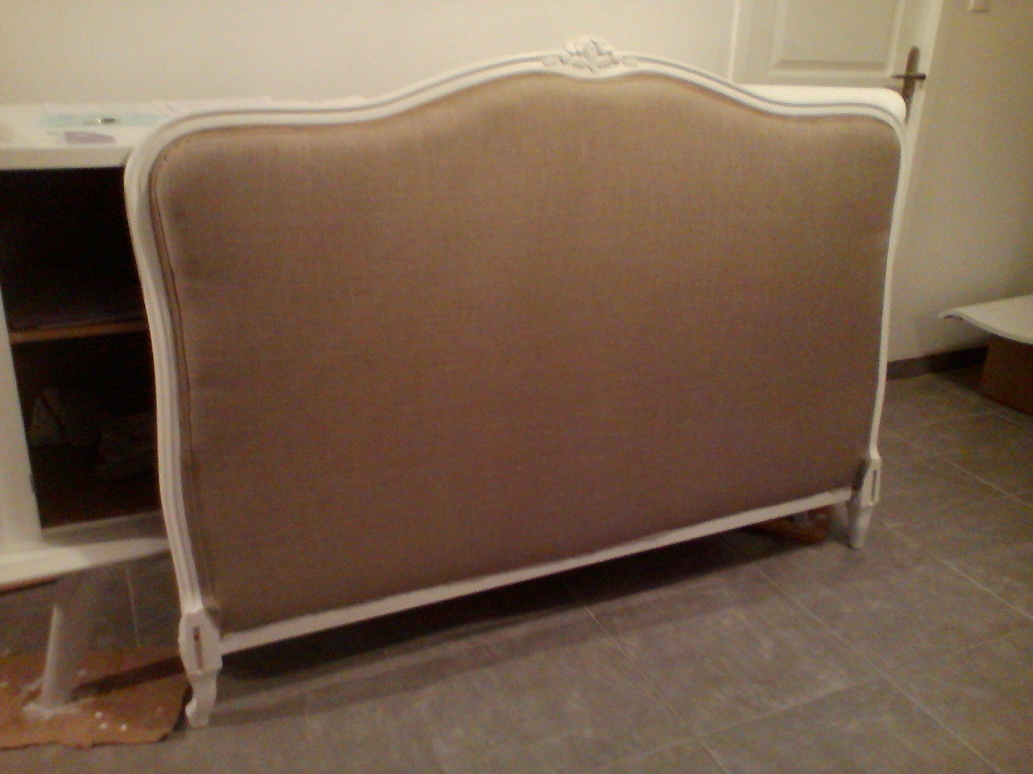 tuto tapisser une t te de lit diy relooking mobilier cr er ma d co. Black Bedroom Furniture Sets. Home Design Ideas