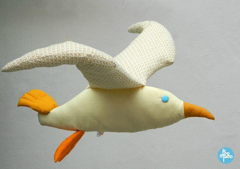 oiseau en tissu, poc a poc,goélande,albatros,cadeau de naissance,décoration chambre enfant1 blog
