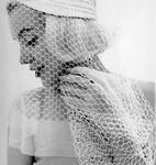 1962_07_10_by_bert_stern_white_veil_wb_0060_05