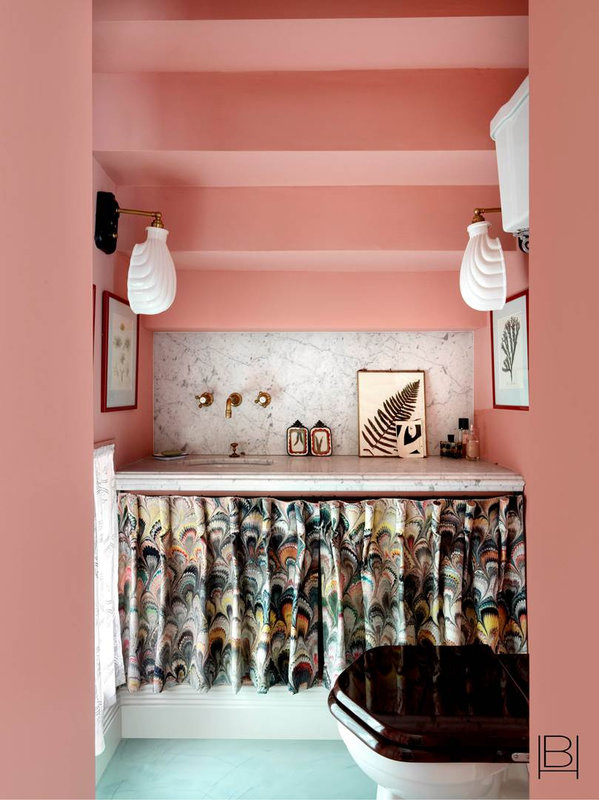 15_beata_heuman_riverside_townhouse_bathroom_front_01