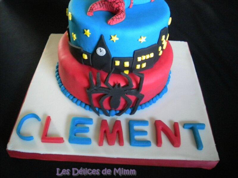 Gâteau Spider-man (pâte à sucre) 9
