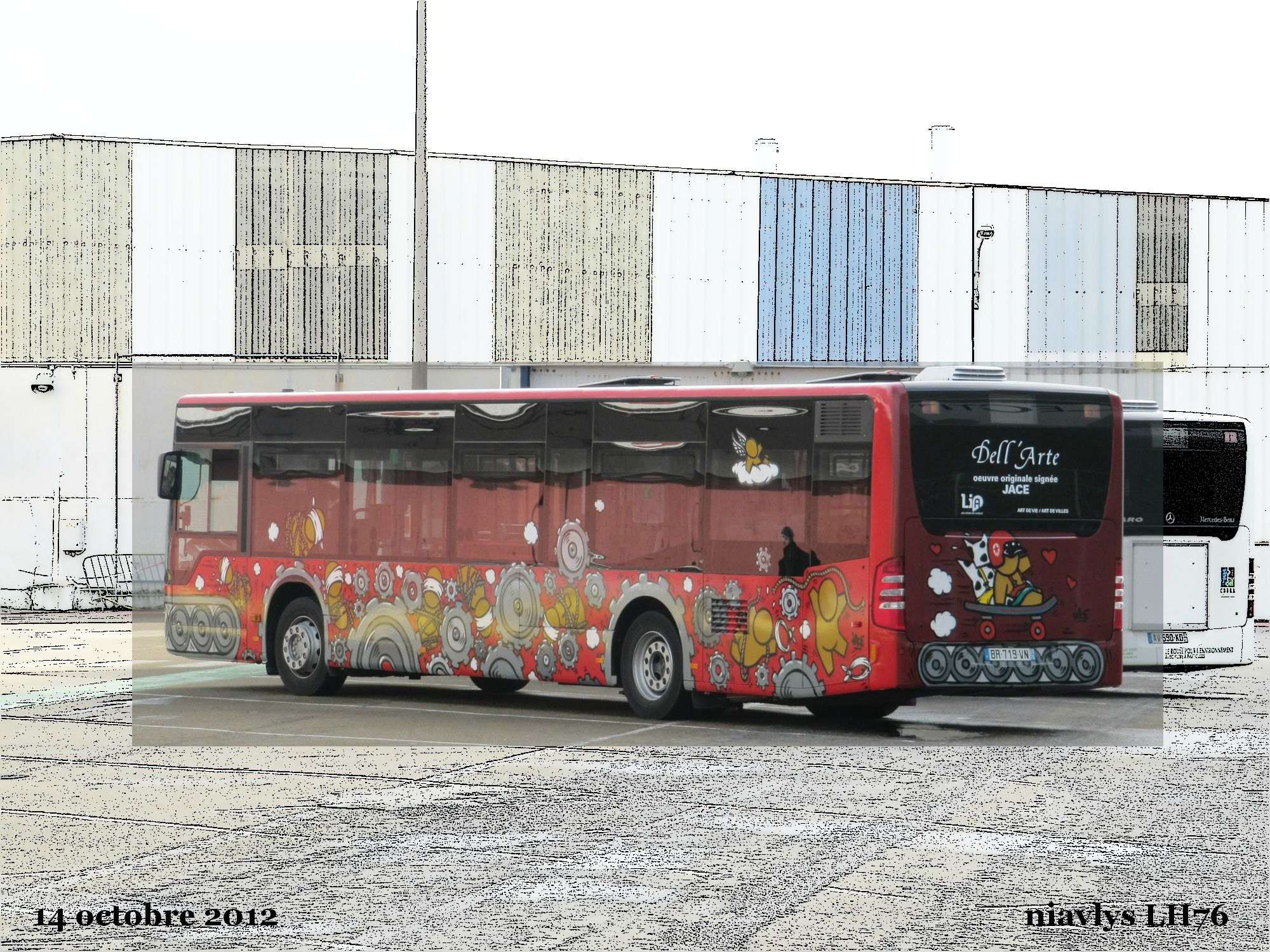 Bus Dell'arte JACE 2