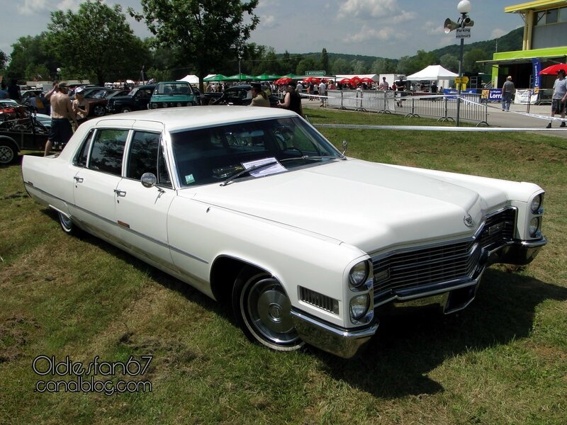 cadillac-fleetwood-limousine-1966-a