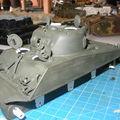 le Sherman M4A3 105mm Catinat en cours de peinture