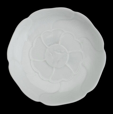 A finely potted lobed saucer dish, bearing six character Yongzheng mark Photo Bonhams