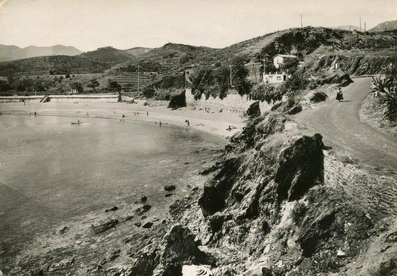 254 Plage des Elmes et le Robinson 1957