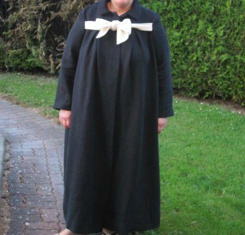 manteau long noir à noeud ivoire (2) T: 56