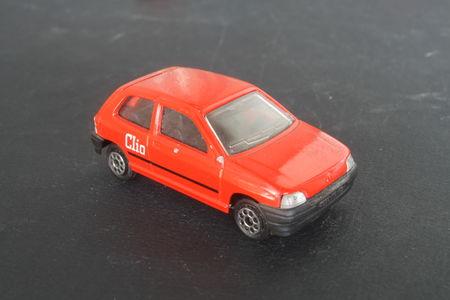 270_Renault_Clio_02
