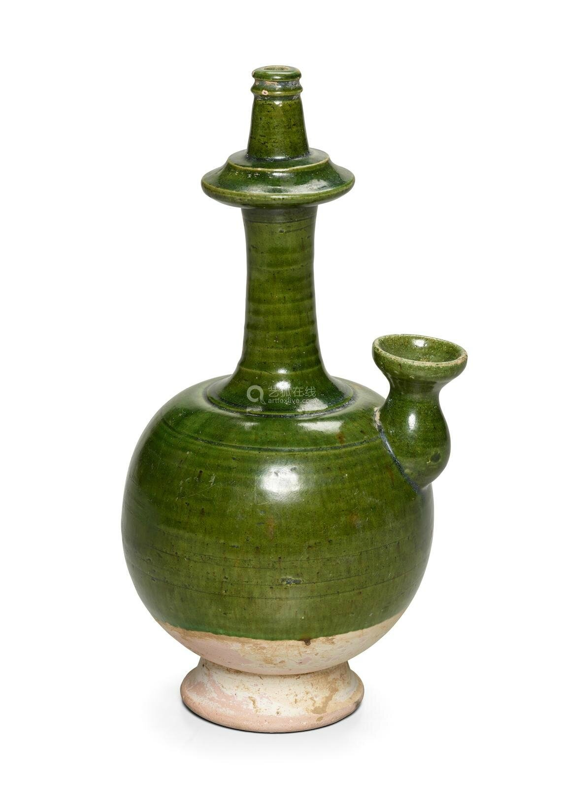 A green-glazed pottery kundika, Tang dynasty (618-907)