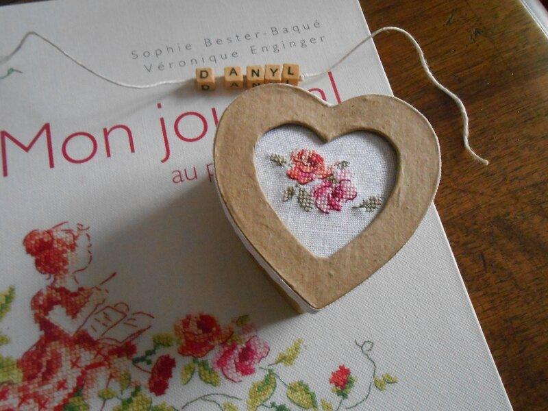 boîte coeur brodée rose 1