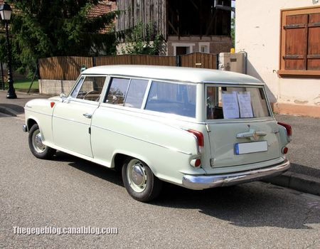 Borgward isabella combi de 1961 (31ème Bourse d'échanges de Lipsheim) 02