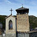 Le cimetière aux trois oratoires : molines-en-queyras