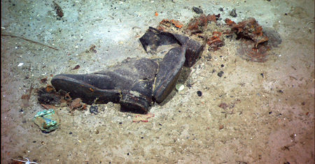 titanic_shoes_debris06_2004b