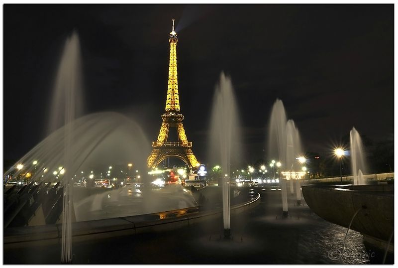 Paris_Tour_Eiffel_nuit_1
