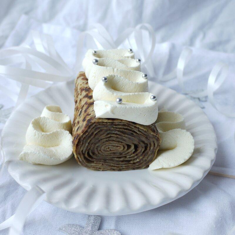 Bûchette de crêpes roulées à la crème de marron
